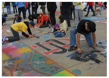 Students enjoying the chalk festival at the Cleveland Museum of Art with Stacy Westervelt